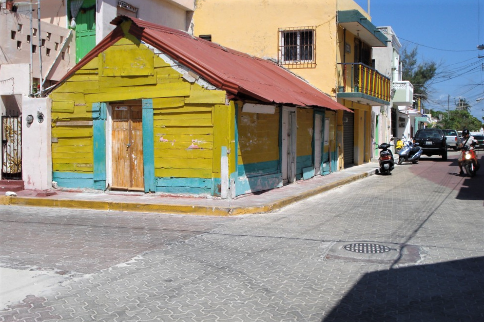 Colorful house in downtown Isla Mujeres, Mexico, a few hours away from the Chichen Itza ruins